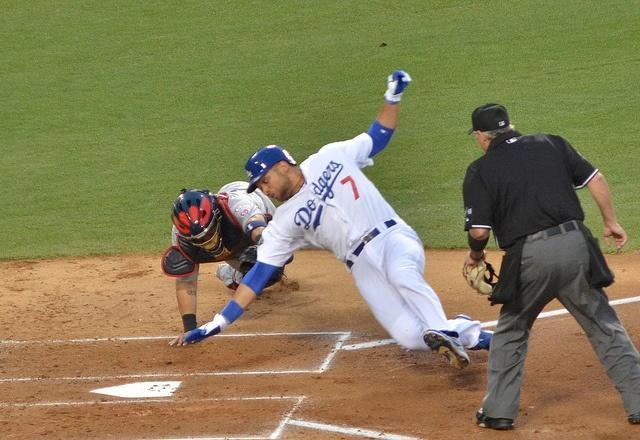 Dodgers_sliding_into_home.jpg